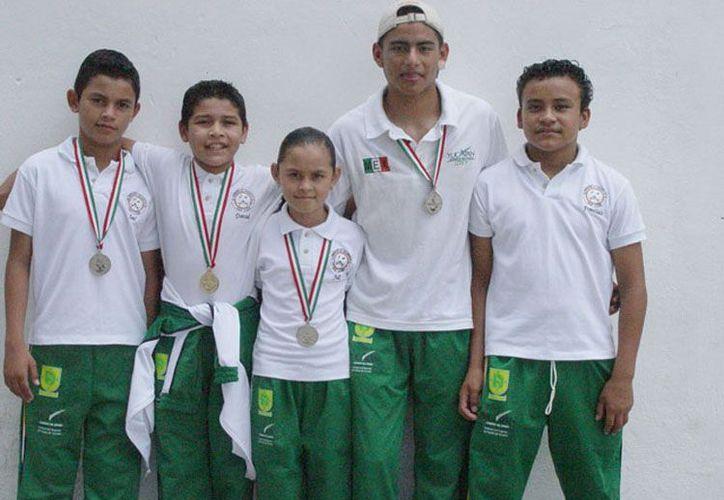 Será hasta en el Mundial Juvenil del 2014 en China, dónde se seleccionará solo a dos gimnastas para que represente a México en los Juegos Olímpicos. (Archivo/IDEY)