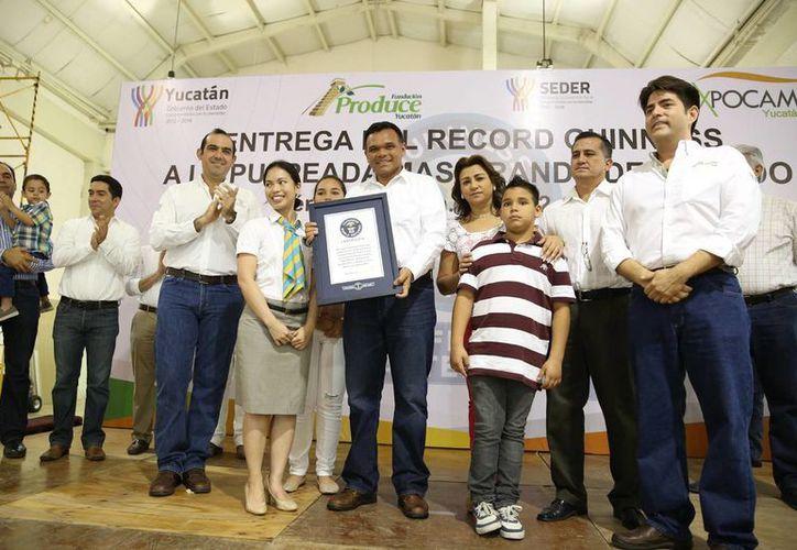 En el marco de la Expocampo 2014, Yucatán entra al Libro Guinness de los Récords por la pulpeada más grande del mundo. (Cortesía)