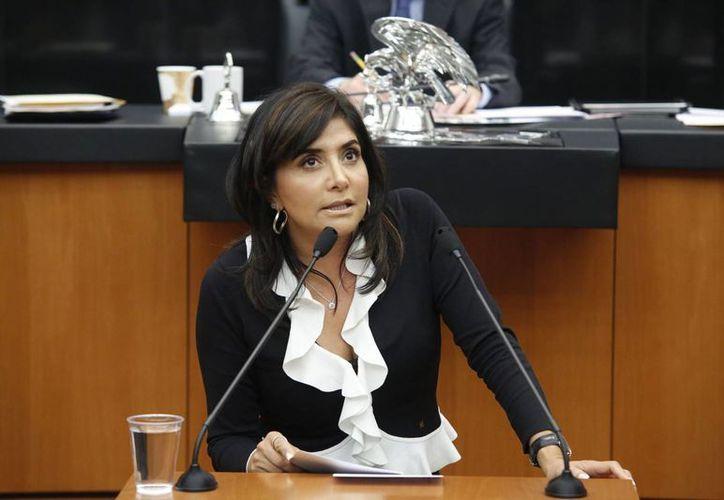 Con 264 votos a favor, por encima de los 58 que obtuvo Pablo Gómez, Alejandra Barrales se convirtió en la presidenta nacional del PRD. (vanguardia.com.mx)