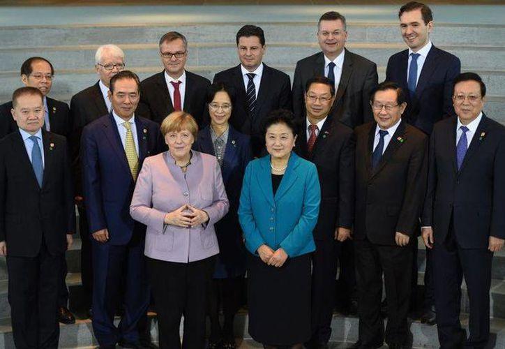 El acuerdo de futbol firmado entre Alemania y China es resultado de conversaciones previas entre la canciller alemana Angela Merkel y el presidente chino Xi Jinping. (Foto tomada de bundesliga.com)