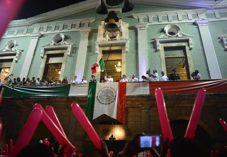 La ceremonia del Grito de Independencia en Mérida. (Luis Pérez/SIPSE)