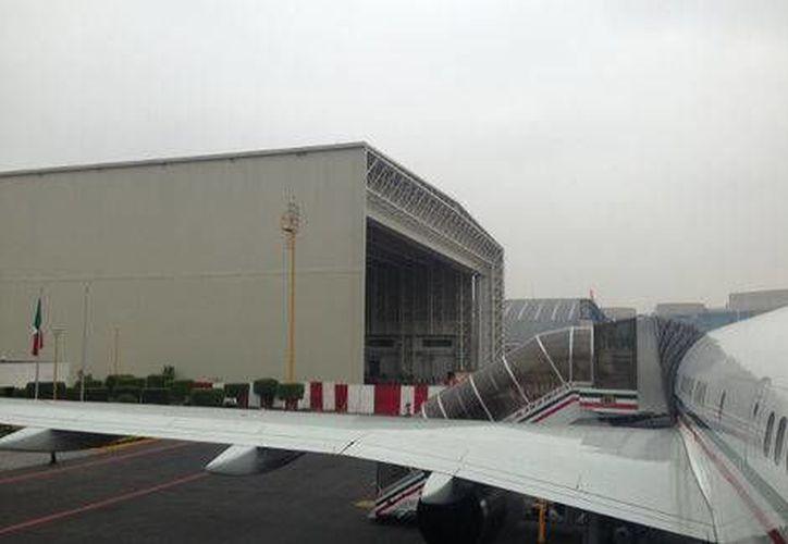 Está previsto que el nuevo avión <i>José María Morelos y Pavón</i> aterrice en el AICM este viernes 18 de diciembre; sin embargo, su primer vuelo oficial se realizará después de enero. (Milenio Digital)