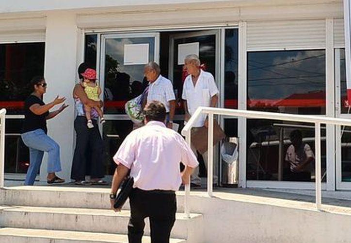 Las personas acusadas supuestamente tramitarían ante Infonavit los créditos para viviendas de seis trabajadores de un hospital privado. (Milenio Novedades)