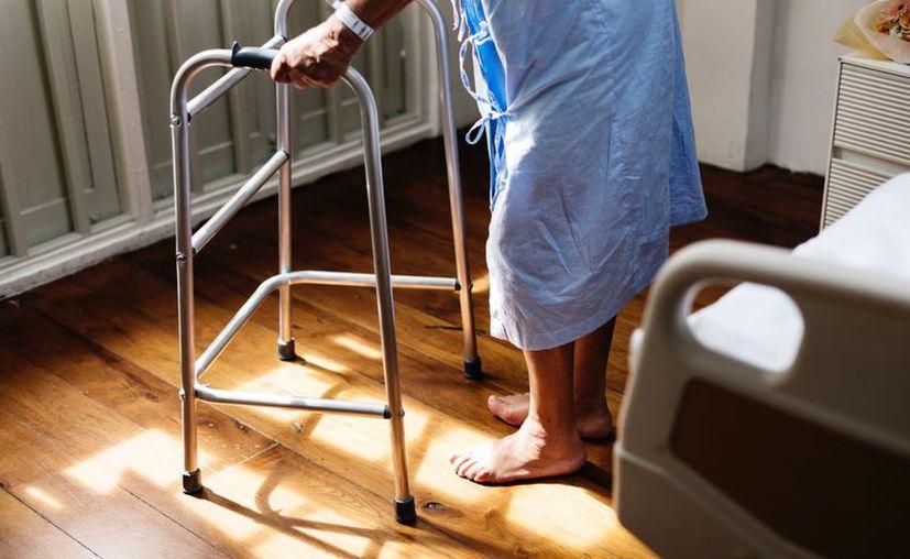 Un modelo universal de salud debe ser gratuito: en donde todos tengan derecho al mismo tratamiento y atención. (Foto de Contexto: rawpixel.com)
