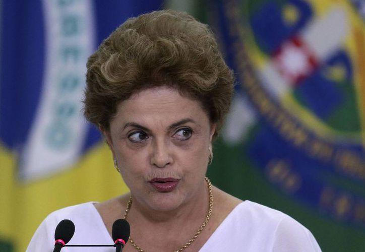 La próxima semana vence el plazo para saber si la presidenta brasileña, Dilma Rousseff, es sometida a juicio político. (AP/archivo)