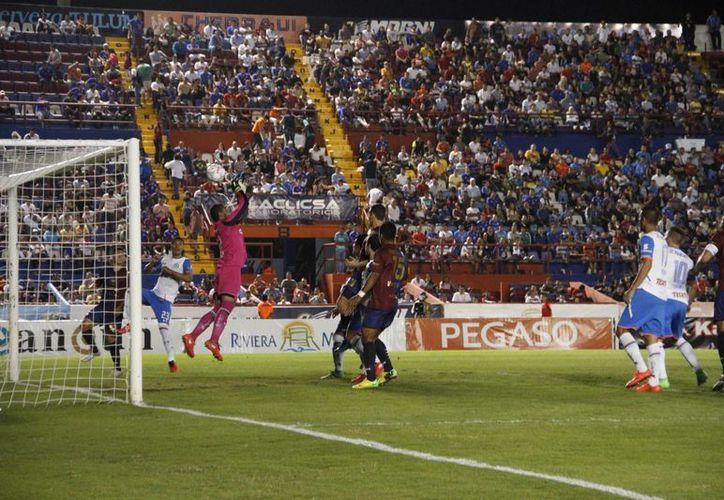 Atlante estuvo a punto de conseguir el empate ante la máquina. (Tomás Álvarez/SIPSE)