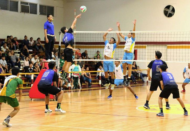 Las selecciones  que compitieron en voleibol de sala. (Ángel Villegas/SIPSE)