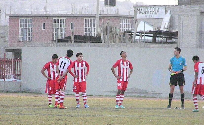"""Aseguran que el estadio """"Tepalcates"""" echó por la borda todo el trabajo de los caribeños durante la semana. (Ángel Mazariego/SIPSE)"""