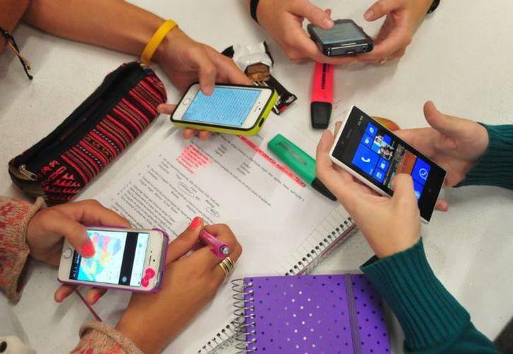 Las escuelas preparatorias también pueden implementar la medida de manera voluntaria. (Internet)