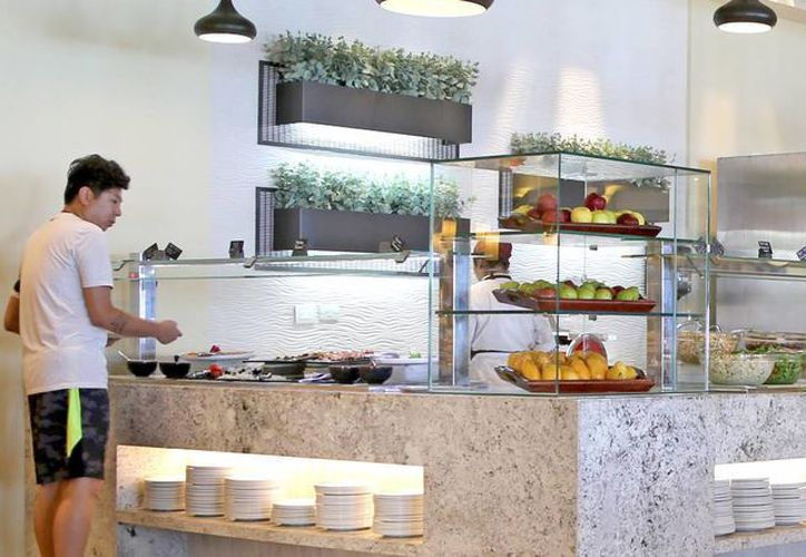 Cancún destaca por la gran variedad de platillos que ofrece, tanto de la cocina regional y nacional, como a nivel internacional. (Israel Leal/SIPSE)