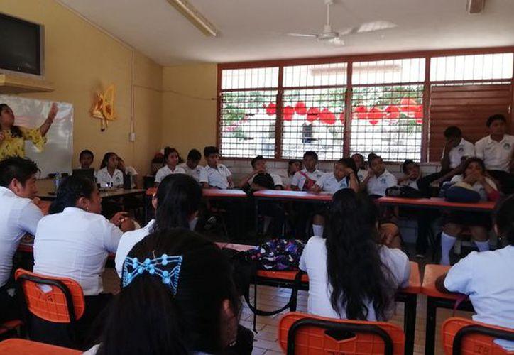 Cinco de cada 10 estudiantes de preparatoria de Q. Roo no pudieron resolver un problema matemático de cuarto de primaria. (Redacción/SIPSE)