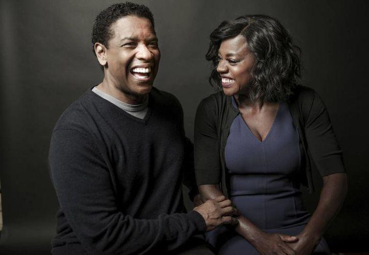 Denzel Washington con Viola Davis, protagonistas de Fences. (AP)