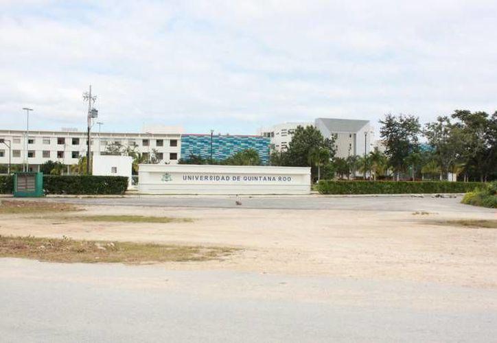 La biblioteca de la Universidad de Quintana Roo se proyecta en un lote de tres mil 500 metros cuadrados. (Adrián Barreto/SIPSE)