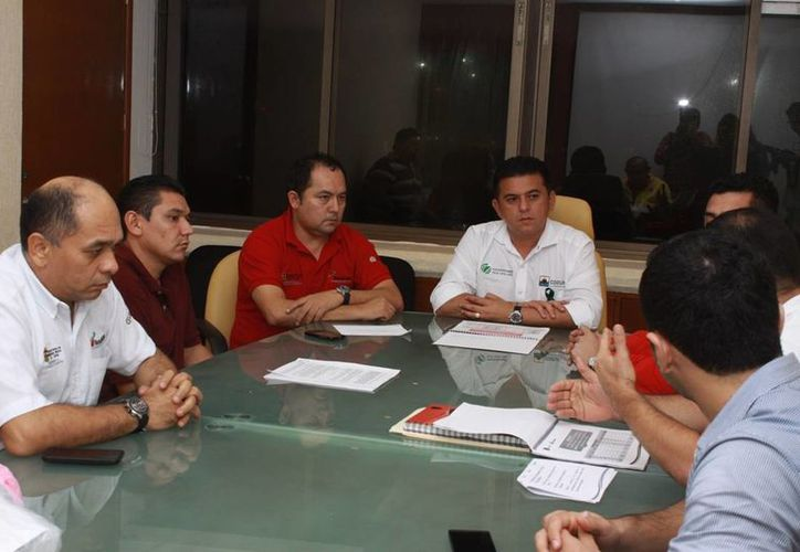 En la reunión se trataron asuntos relacionados con el apoyo al sector juvenil. (Cortesía/SIPSE)
