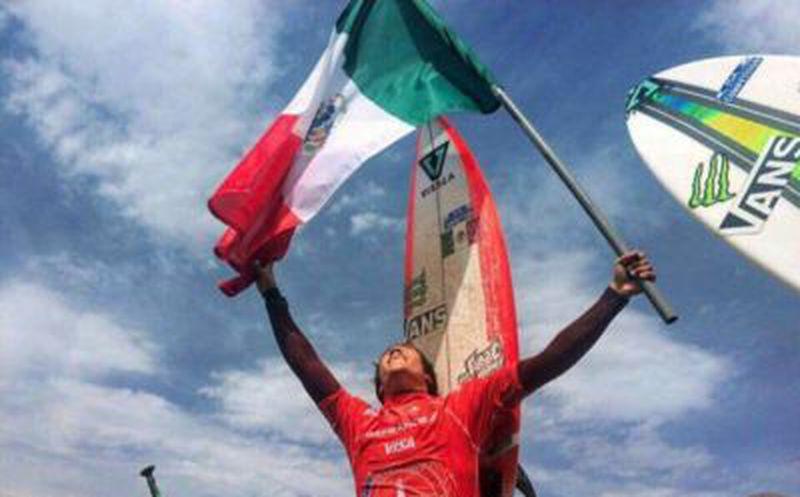 El mexicano Jhony Corzo, campeón del mundo de surf