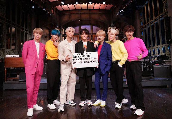 """La aparición de BTS en """"Saturday Night Live"""" se transmitirá este 13 de abril por NBC a las 23:30 horas, tiempo del Este. (Internet)"""