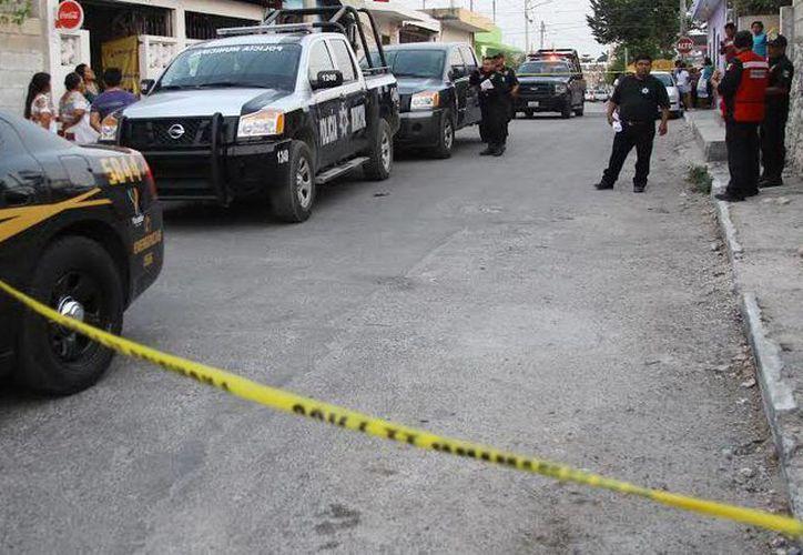 La Fiscalía General del Estado realiza un operativo en Kanasín para hallar al responsable del asesinato de Heriberto C. T. (Milenio Novedades)