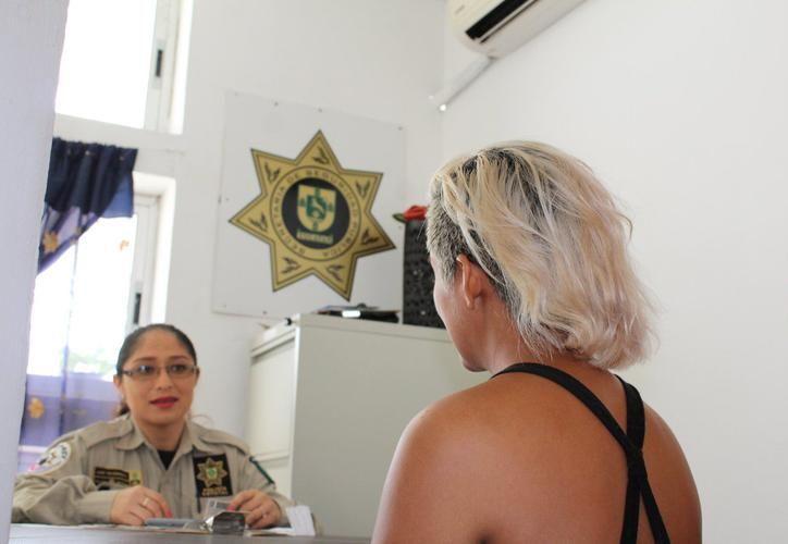 La chef Brianda llegó este miércoles a Mérida, luego de ser trasladada por la policía. (Foto: SSP)
