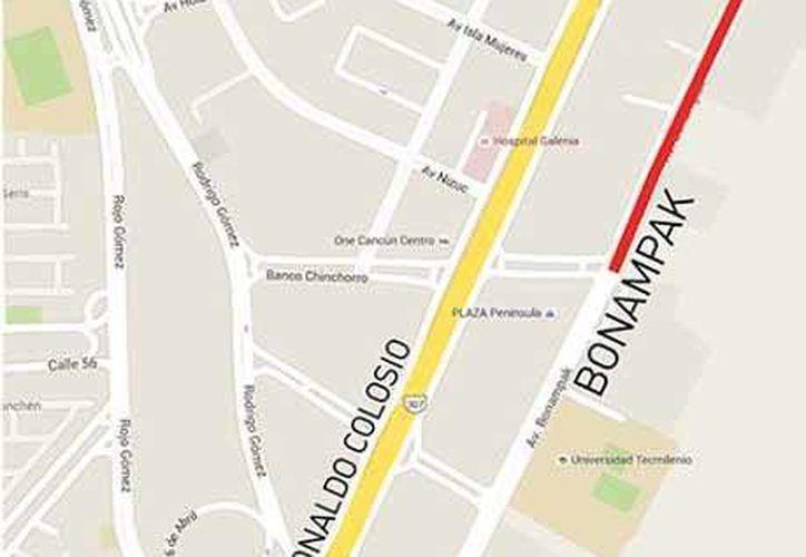 Cierre parcial de la avenida Bonampak de Cancún a la altura de la avenida Sayil. (Redacción/SIPSE)