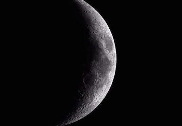 Esta noche cuando mires al cielo verás una Luna Negra. (tiempo.com.mx)