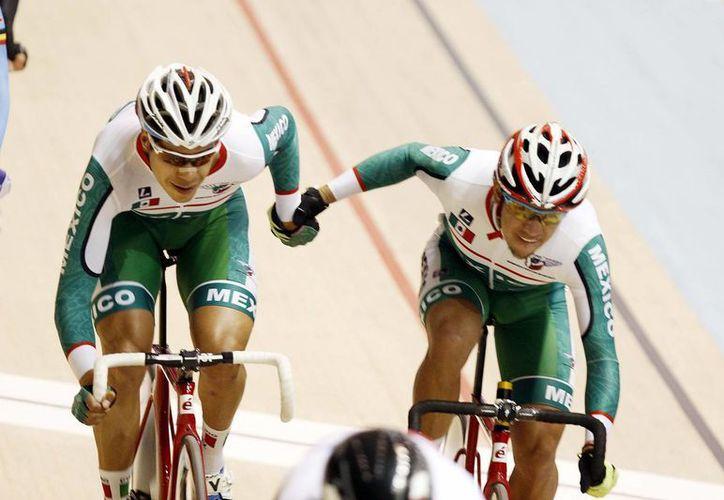 Los ciclistas Ignacio Sarabia e Ignacio Prado logró el tercer pase olímpico en ciclismo para México durante el Mundial de Pista, disputado en Londres. (Imagen ilustrativa/ Notimex)