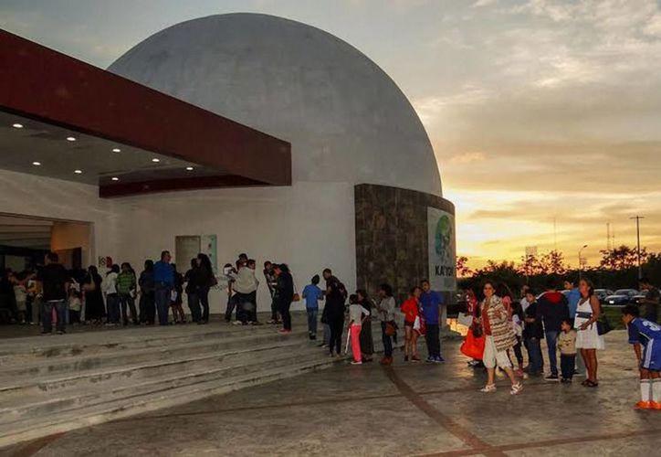 Llega al planetario de Cancún ka' yok' el segundo festival de cine consciente, el evento dará inicio a las 12:30 horas para concluir a las 20:00 horas. (Redacción/SIPSE)