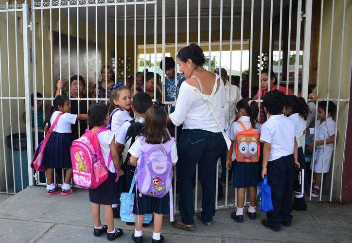 Un total de 450 escuelas en Yucatán saldrá de vacaciones navideñas el día 21; el resto saldrá desde el 16 y volverá el 2. (SIPSE)