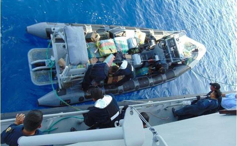 La cocaína se localizó a bordo del buque 'APL Holland' con bandera de Singapur en calidad de trasbordo, con destino a Puerto Quetzal, Guatemala. Imagen de contexto, solo para fines ilustrativos. (semar.gob.mx)
