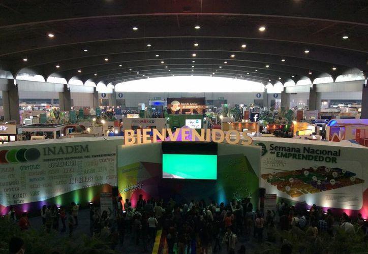 Se realiza la Semana Nacional del Emprendedor en la Expo Bancomer. (Stephani Blanco/SIPSE)