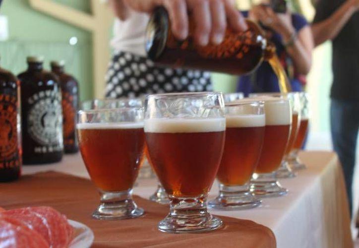 En Quintana Roo hay ocho empresas que producen cerveza artesanal. (Archivo/SIPSE)