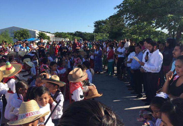 Hoy se realizó el desfile cívico-deportivo del 107 Aniversario del inicio de la Revolución Mexicana, en la delegación. (Foto: Redacción)