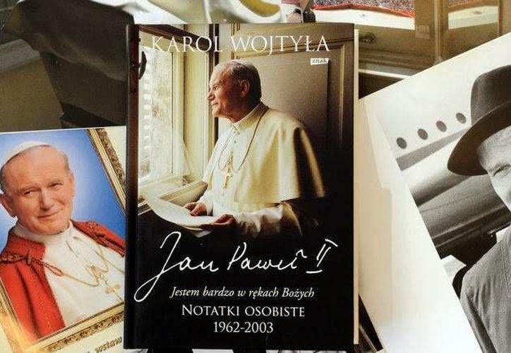 Los escritos de Juan Pablo II están contenidos en dos agendas que van de los años 1962 hasta 2003 y fueron publicados por la Librería Editorial del Vaticano. (sfmnews.com)