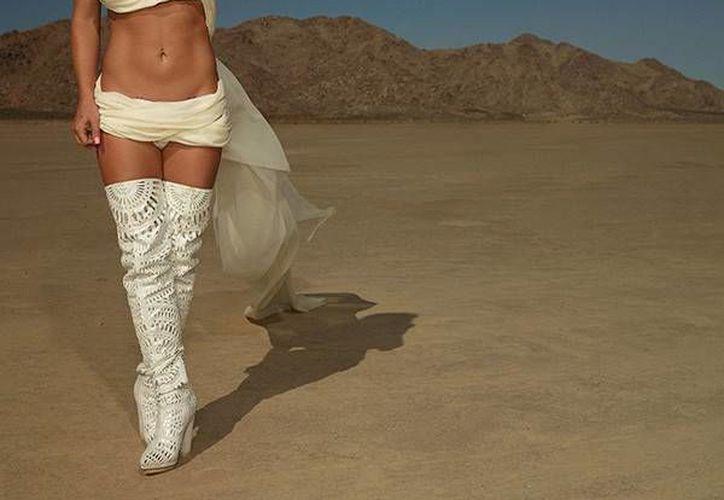 Britney Spears estrenó este viernes 'Make me', primer sencillo de su noveno disco. (Twitter)