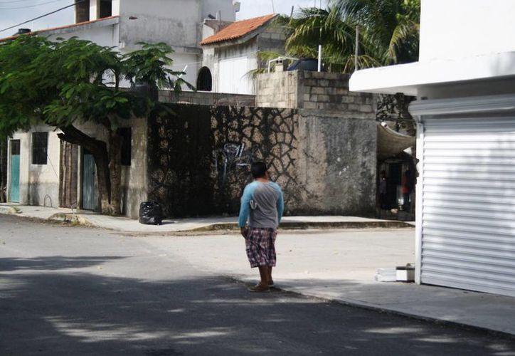 La Delegación de Puerto Aventuras espera en 2015 poder colocar nomenclatura en todas las calles del poblado. (Octavio Martínez/SIPSE)