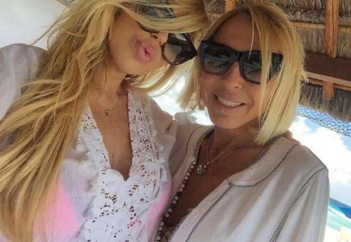Laura Bozzo y  Alejandra de la Fuente vacacionaron en las playas de Cancún. (Instagram/missale_xo)