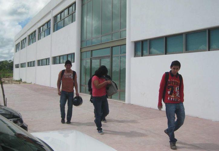 Se registró un 60 por ciento de deserción escolar en la Universidad Politécnica. (Ángel Castilla/SIPSE)