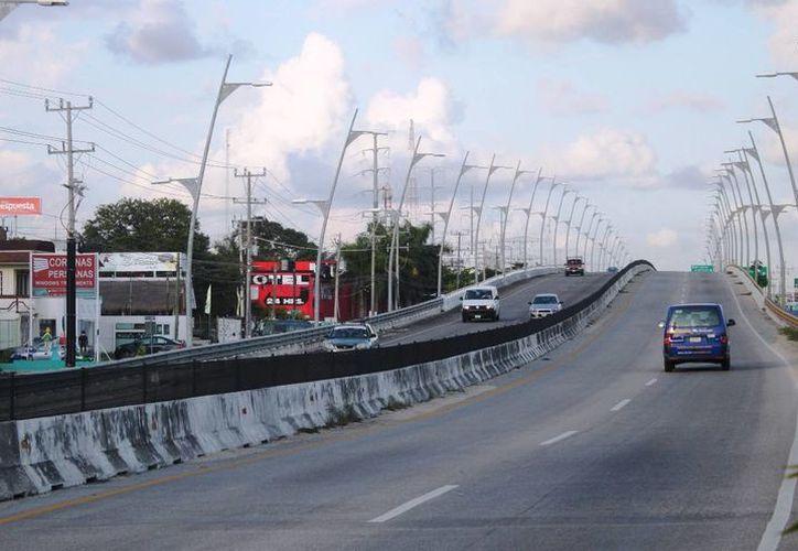 Este viernes 8 se cerraría la circulación vehicular del tramo Xcalacoco, desde la carretera federal hasta el cárcamo del fraccionamiento Balam Tun. (Daniel Pacheco/SIPSE)