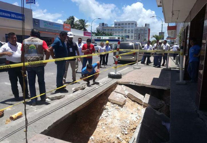 Se realizarán los estudios y análisis para determinar si es necesario desalojar a las personas que viven en el edificio. (Ángel Castillo/SIPSE)