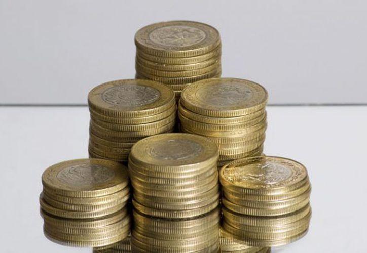 Las monedas de 10 pesos en buen estado y de edición especial pueden llegar a costar hasta mil pesos. (Foto: TKM)