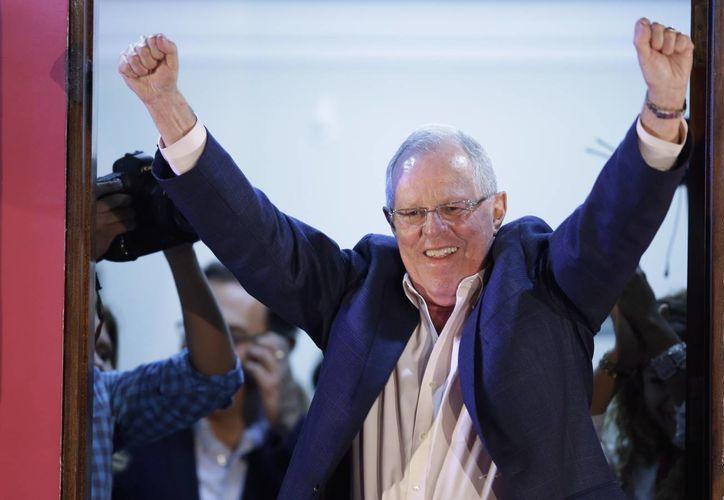 Pedro Pablo Kuczynski sería el nuevo Presidente del Perú si la tendencia a su favor continúa. (AP)