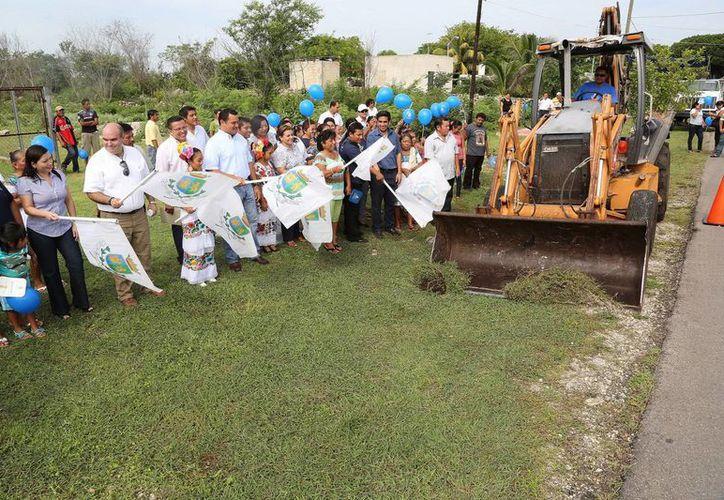 Barrera Concha recordó que hace dos meses inauguró la rehabilitación de la carretera San Ignacio Tesip-Molas. (Milenio Novedades)