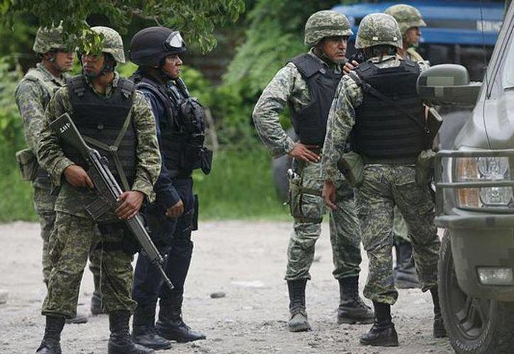 El IFAI resolvió que se debe revelar la cantidad de militares muertos por enfermedades o causas ajenas al narco (Agencias/Archivo)