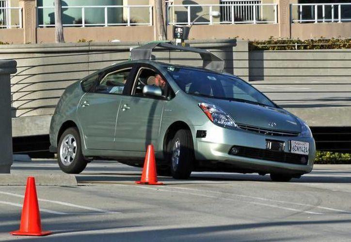 Hay errores que se cometen cuando no se tiene experiencia al volante, pero que pueden   costar mucho si no se corrigen. (Cortesía)