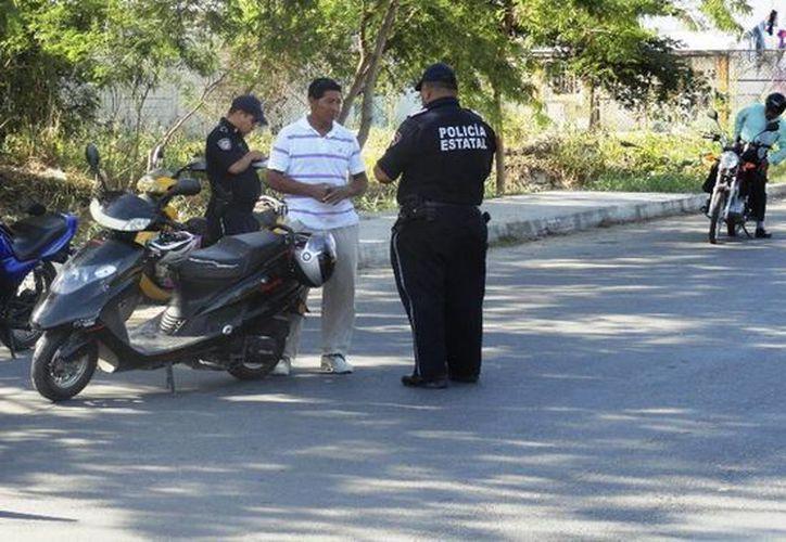 Algunos motociclistas carecen de licencia. (Redacción/SIPSE)