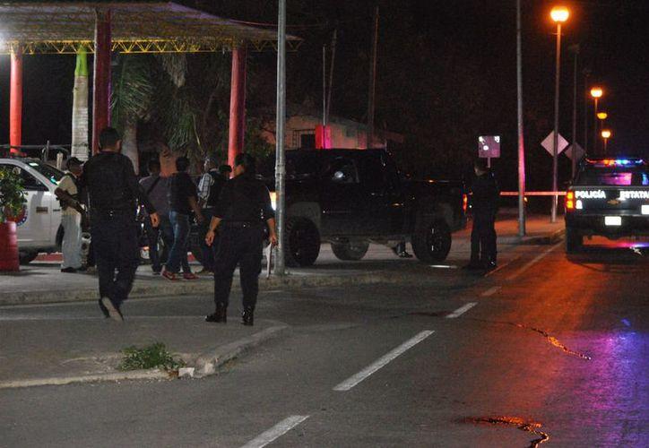 Los elementos policíacos atendieron el reporte de la persona lesionada. (Redacción/SIPSE)