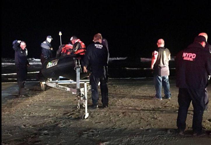 Los cuerpos de rescate llegaron al lugar del accidente. (Peter Gerber)