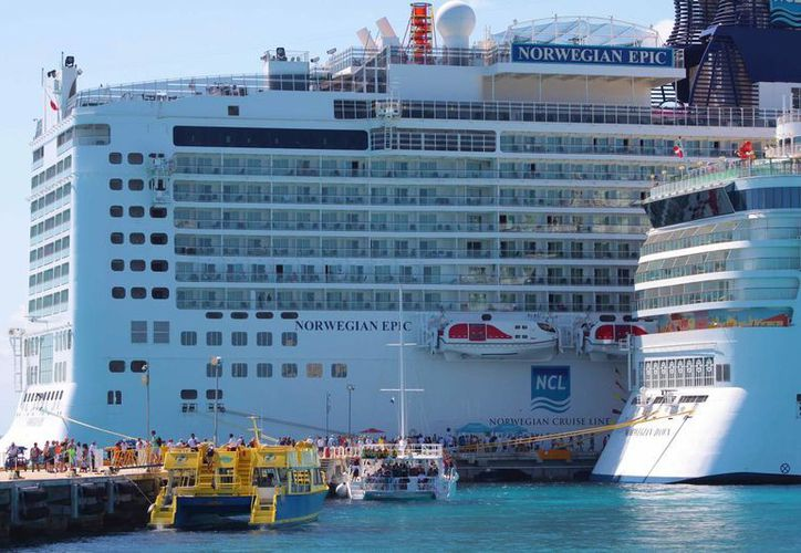 Durante 2014 Cozumel recibió 3.4 millones de turistas de crucero, cifra récord para a isla. (Gustavo Villegas/SIPSE)