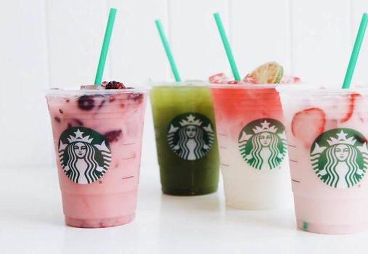 Las bebidas incluyen dos de las famosas bebidas rosadas de Starbucks y dos nuevas. (Foto: Contexto/Internet)