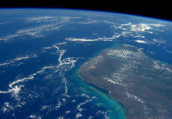 Imagen desde el espacio de la península de Yucatán, zona donde se encuentra Chicxulub en el que cayó el meteorito que terminó con la vida de los dinosaurios. (ESA)