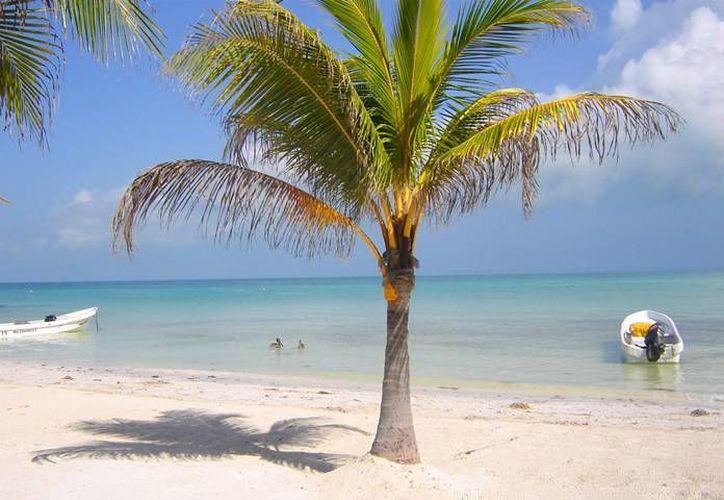 Las playas de la entidad se caracterizan por su enigmática belleza y aguas azul turquesa. (Archivo/SIPSE)